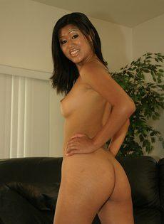 Мужик оттрахал азиаточку во все ее сладкие дырочки - фото #2