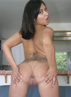 Милашка Мэри трахает своего соседа и пьет его сперму - фото #