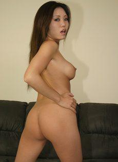 Азиатка отдается зрелому любовнику - фото #