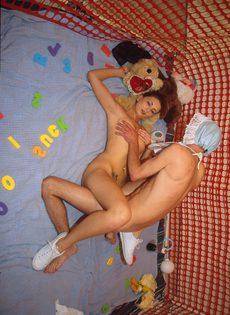 Молодая пара попробовала ролевые игры - фото #
