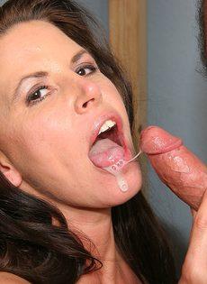 Порно с женой в пустой комнате - фото #32