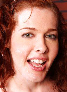 Рыжая девка с большой грудью и небритой киской сосет и трахается с негром - фото #25