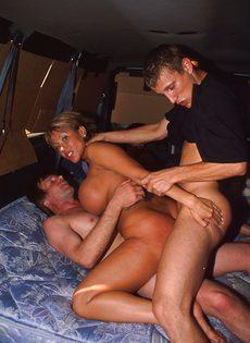 Секс экспресс для любителей групповушки - фото #2