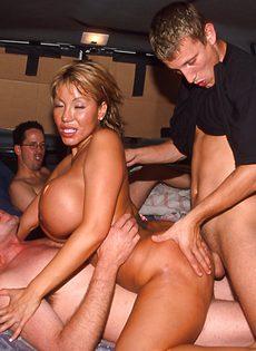 Секс экспресс для любителей групповушки - фото #3
