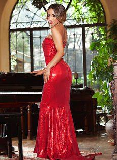 Сексуальная Есения Бустильо на высоких каблуках в очень сексуальных позах - фото #