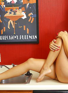 Любительские фото азиатской красотки Арис Велюр с ее великолепным телом - фото #