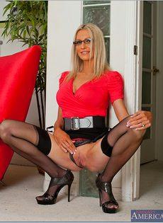 Секс фото Эммы Старр (Emma Starr) в очках и сексуальном нижнем белье - фото #5