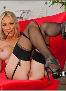 Секс фото Эммы Старр (Emma Starr) в очках и сексуальном нижнем белье - фото #11