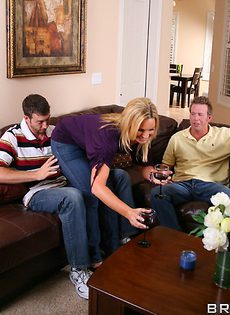 Встреча свингеров в домашней обстановке - фото #