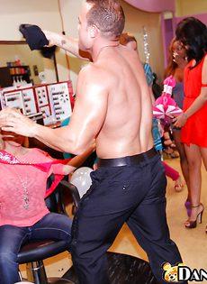 Секс вечеринка в салоне красоты - фото #1
