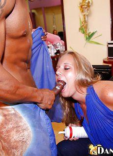 Секс вечеринка в салоне красоты - фото #7