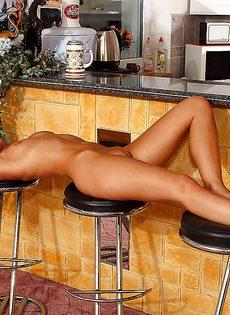 Домашние порно фото обаятельной красотки Marry Queen - фото #