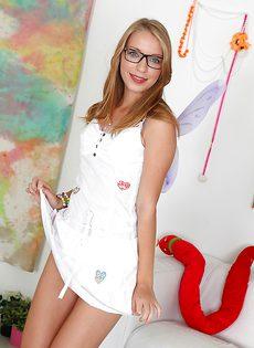Голая девушка в очках (Marry Dream) - фото #