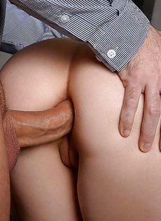 После полового акта кончил длинноволосой сучке в ротик - фото #