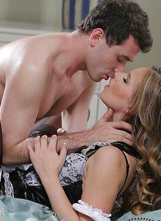 Потрясающий половой акт с участием красавицы Jillian Janson - фото #