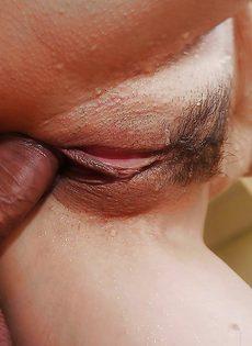 Азиатскую жену после минета трахнули в узенькую дырочку - фото #