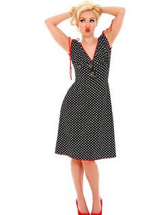 Стройная красавица сняла платье и осталась в красивых трусиках - фото #