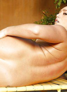 Этой похотливой красотке нравится анальный половой акт - фото #