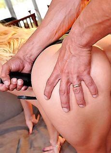 Сексапильная порно звезда Aaliyah Love сексом занимается - фото #