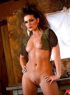 Красивая развратница с хорошеньким телом Abby Cross - фото #