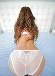Chloe Amour продемонстрировала красивые дырочки - фото #