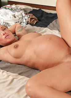 Девушке в положении захотелось получить пенис в задний проход - фото #