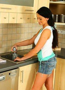 30-летняя домохозяйка