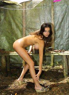 Felicty Fey мастурбирует на пикнике