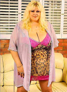 Негр трахает толстую женщину