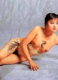 Боди-арт и обнаженные китаянки
