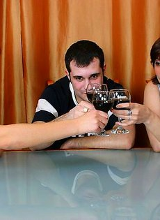 Выпили за знакомство