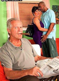 Муж импотент нанял жигало для любимой жены