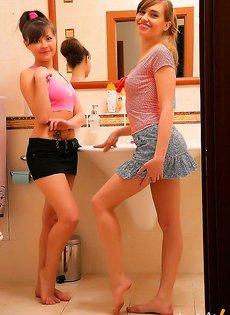 Лесбиянки приняли ванную вдвоем