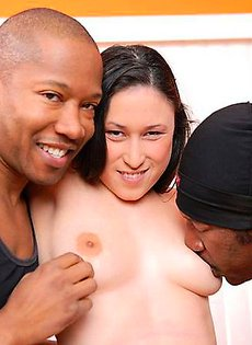 Секс с двумя неграми