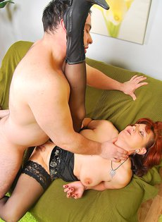 Анальный секс со зрелой женщиной