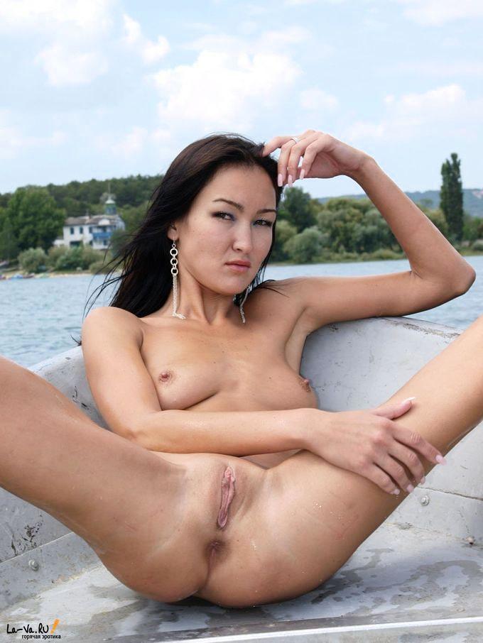 порнофото казахских девушек