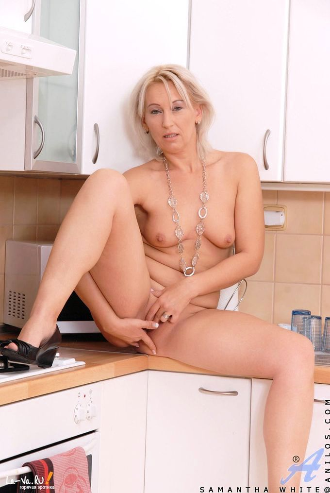 накаченная голая женщина фото