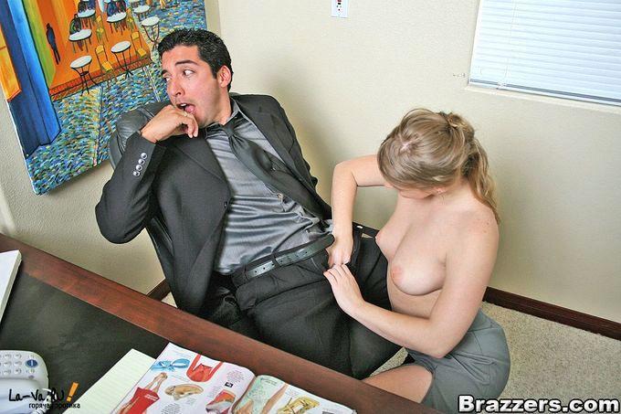 смотреть порно гостей под столом