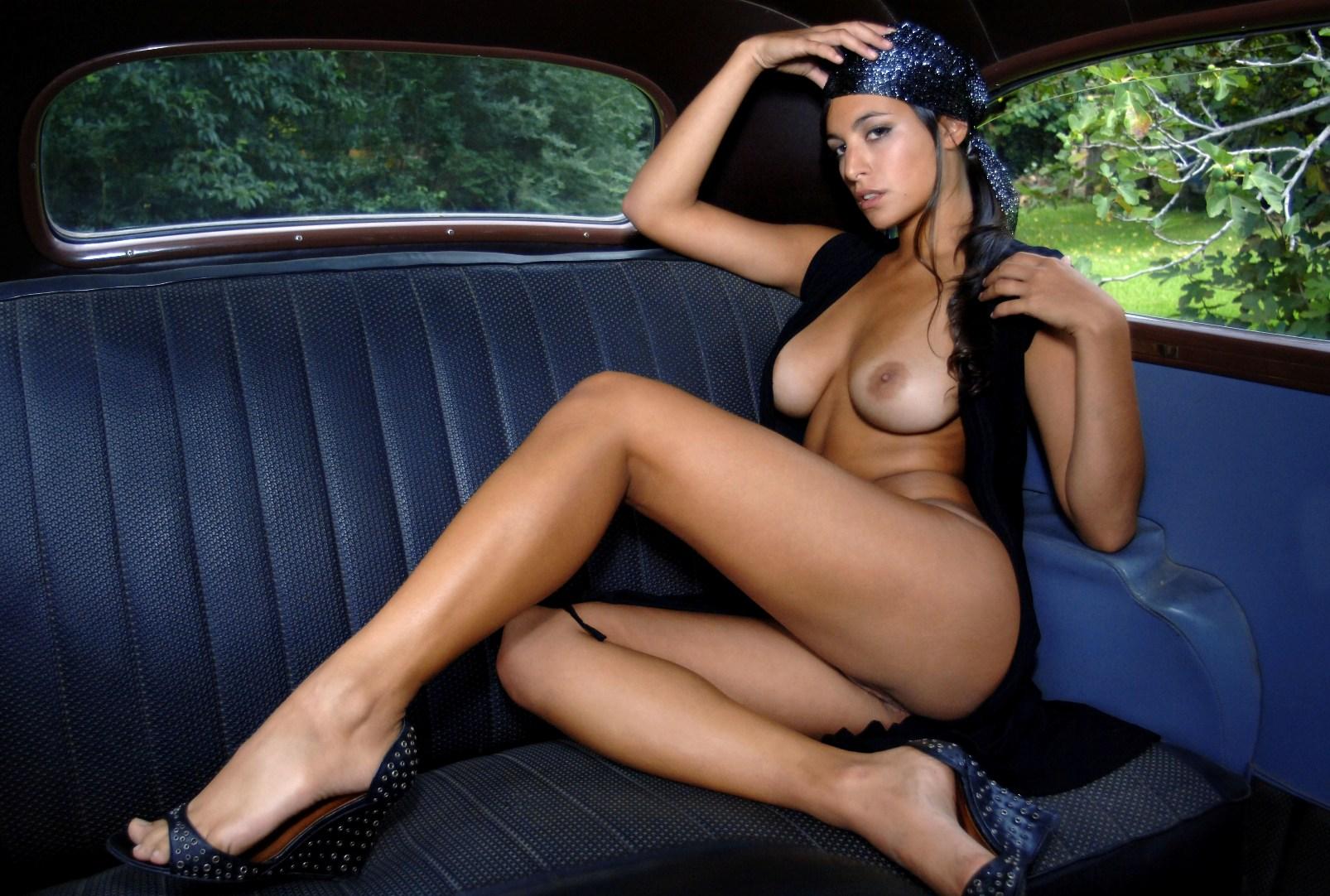 Фото голых итальянских девушек, Итальянки - Смотри бесплатно эротику и порно 21 фотография