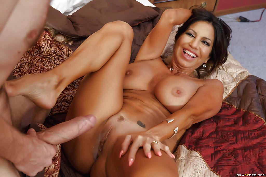 Big Booty Latina Milf