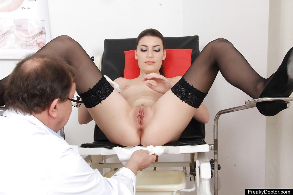 шлюхи на приеме у гинеколога