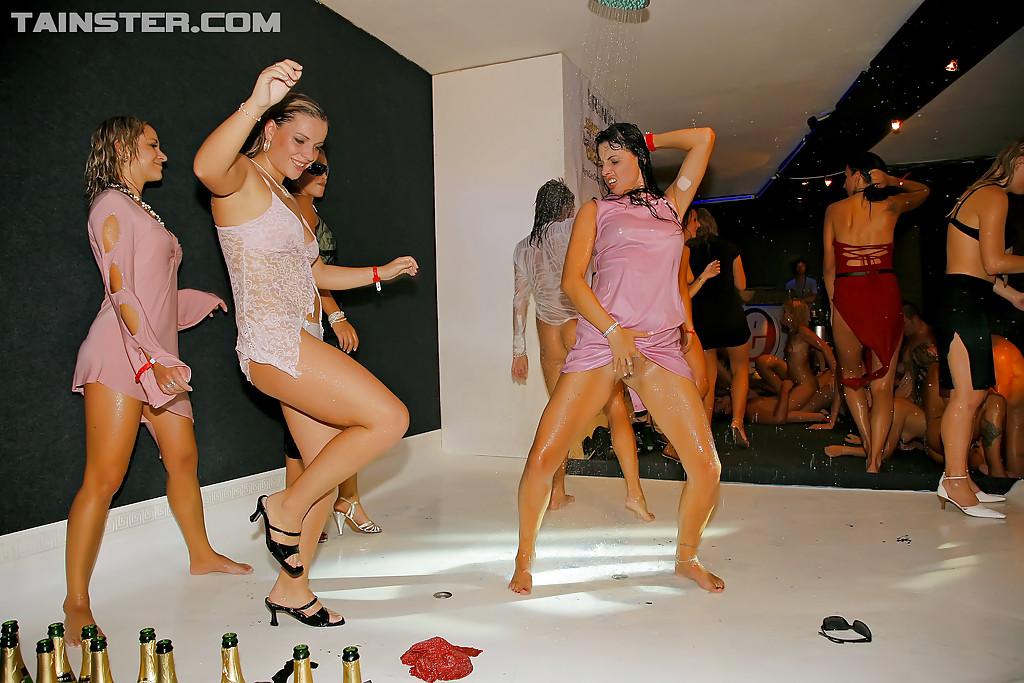 Свингерская вечеринка »  – бесплатная эротика и