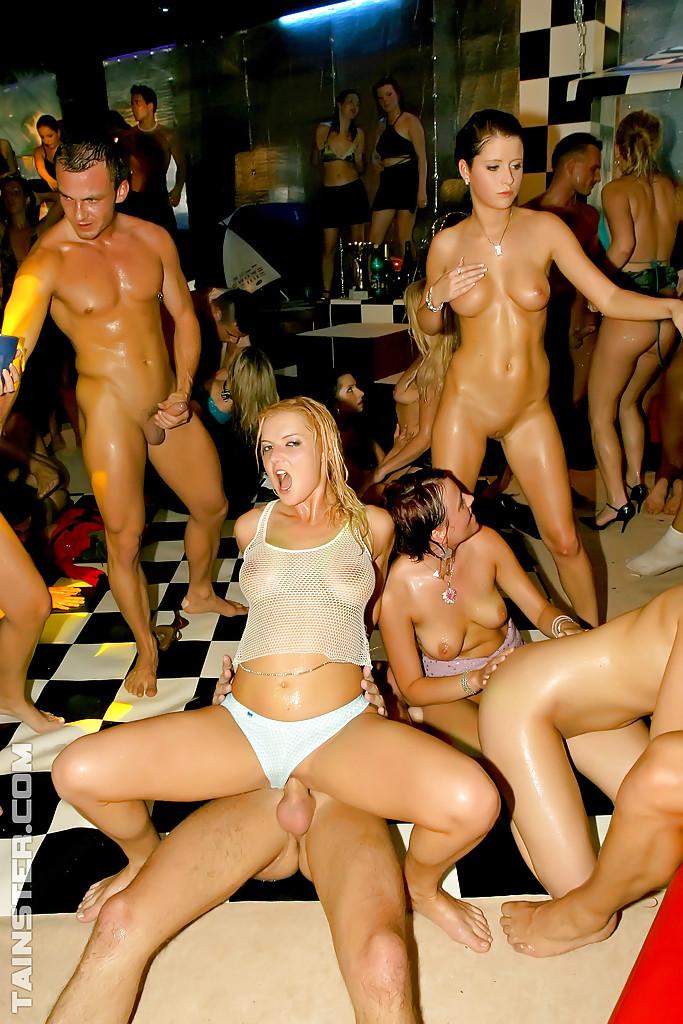 Клубные вечеринки фото порно 16714 фотография