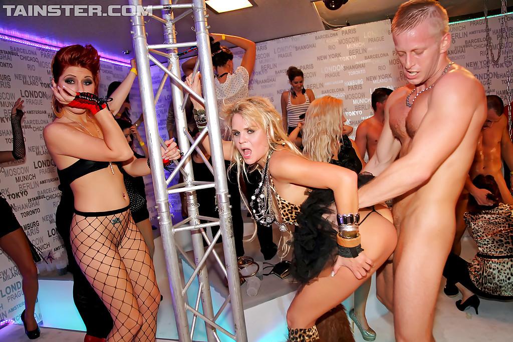 Шанхай Клубы С Проститутками