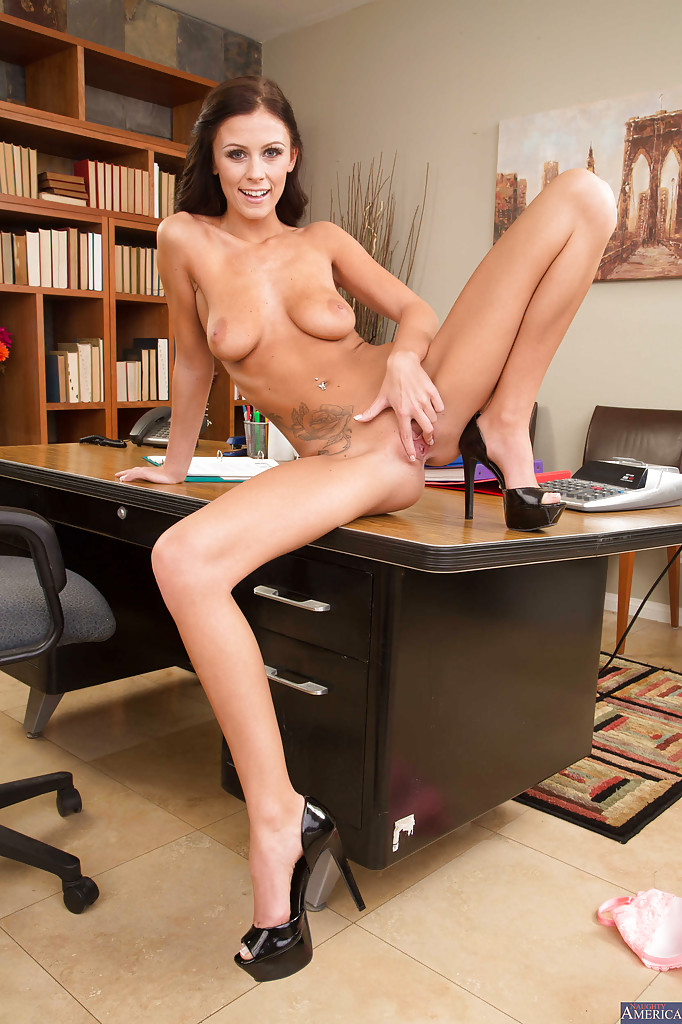 Pics of nude secretaries