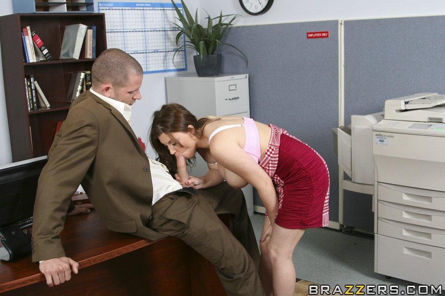 порно видео начальник трахает секретаршу