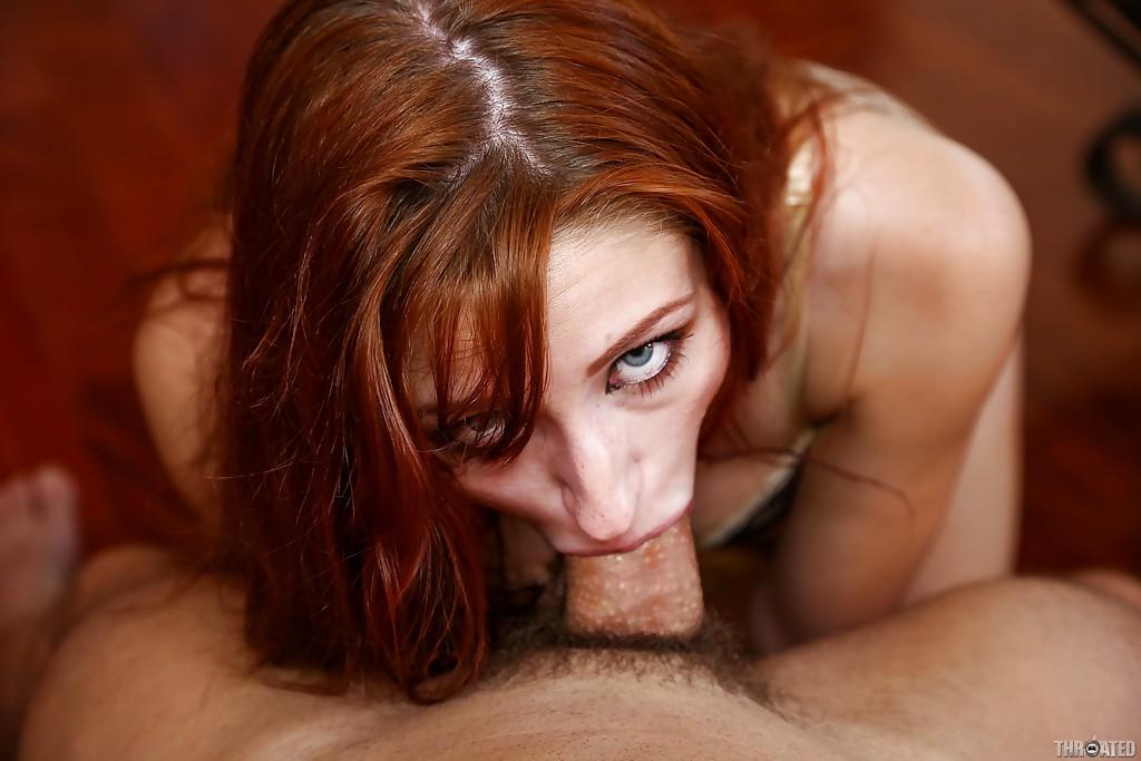 Порно глаза мужеподобная закатила баба