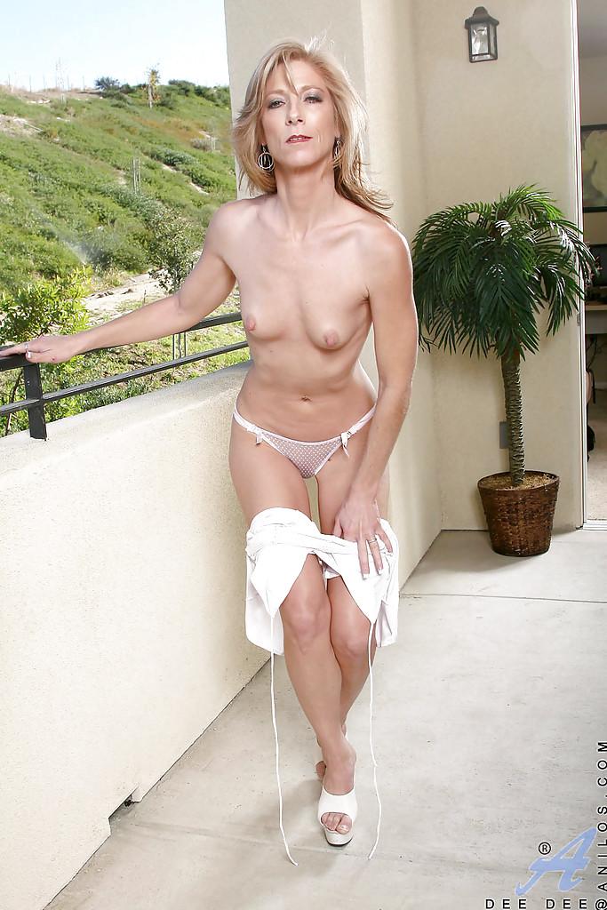 Slender mature naked women
