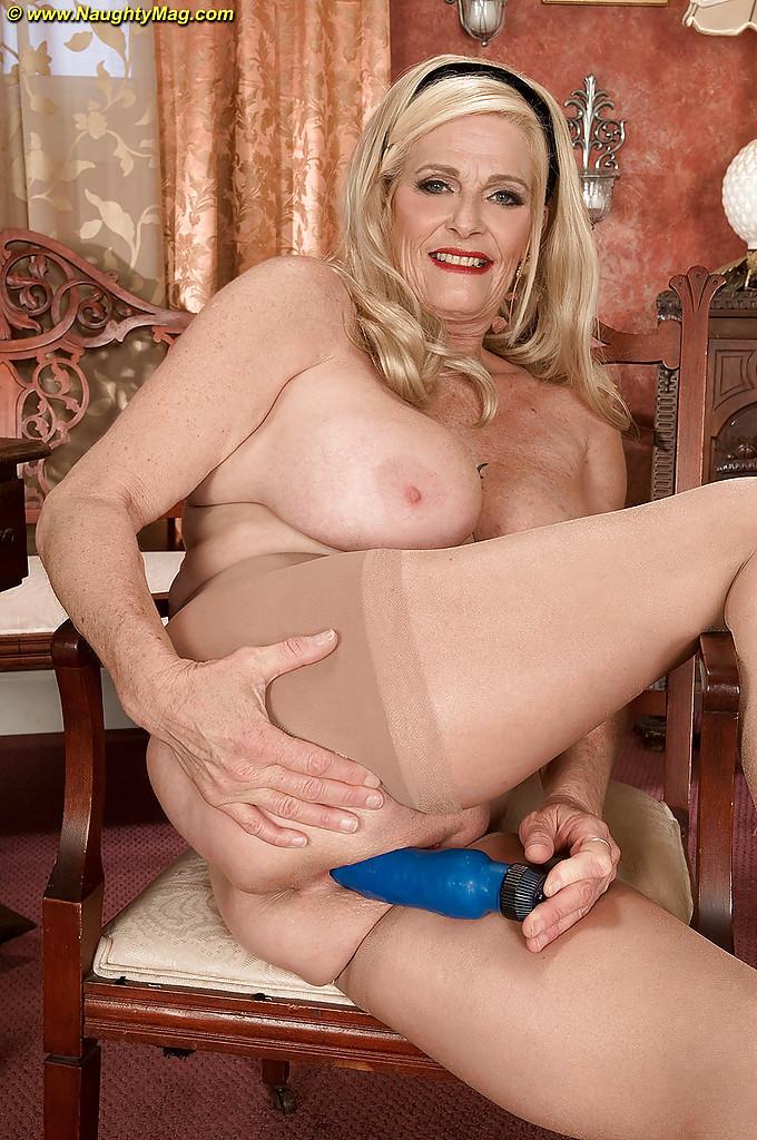 Порно фото старых леди