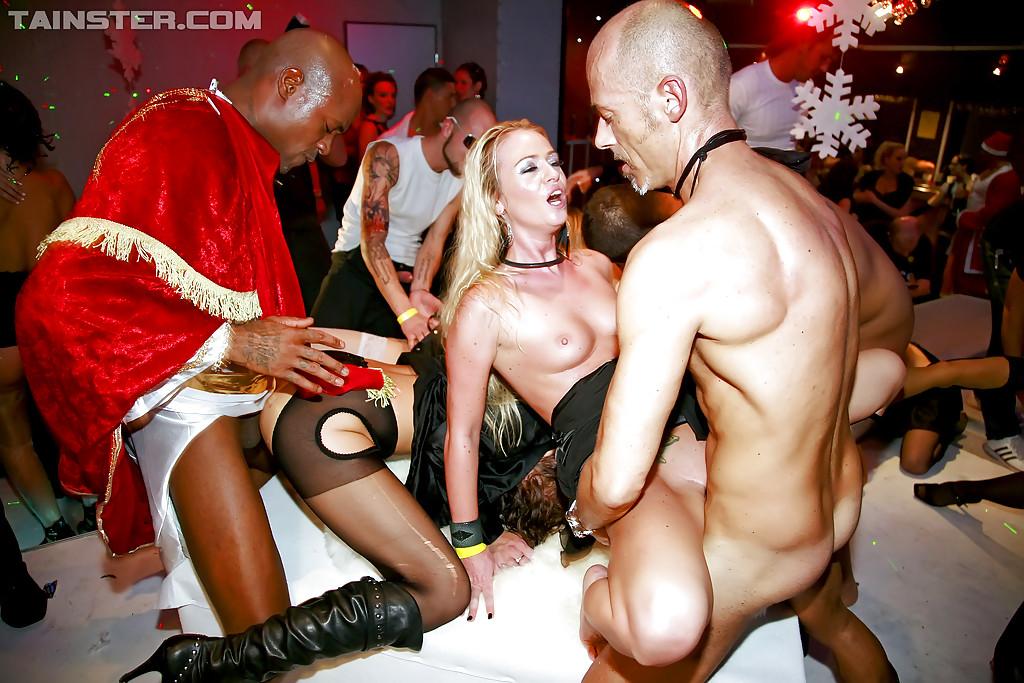 Секс В Клубе